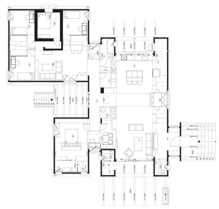 תוכנית הבית: שני חלקים - באחד החללים המשותפים וחדר ההורים ובשני חדרי הילדים - שביניהם מחבר מסדרון. אם ירצו, ביום מן הימים אפשר יהיה לפצל את המבנה לשני בתים נפרדים (שרטוט: אדריכל עדו דרוקר)