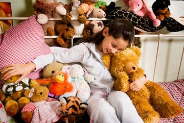 לא לחשוש לתרום בובות וחפצים שאינם בשימוש (צילום: thinkstock)