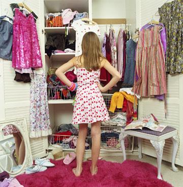 את הנעליים מומלץ לאחסן מחוץ לארון ולחדר (צילום: thinkstock)