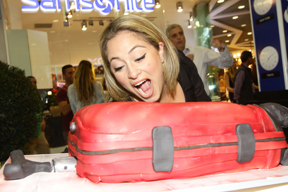 זו לא מזוודה אמיתית, זו עוגה. ליהיא גרינר (צילום: רפי דלויה)