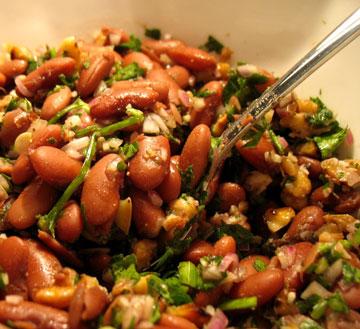 לוביו - סלט שעועית אדומה (צילום: בישול בזול)