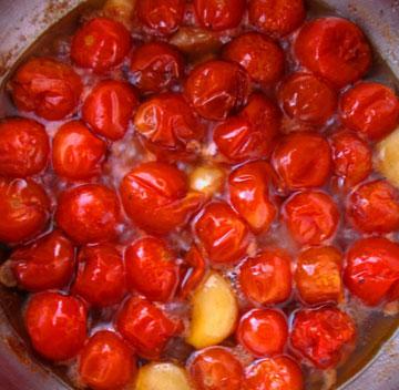 קונפי עגבניות שרי (צילום: בישול בזול)