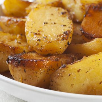 תפוחי אדמה יווניים ברוטב לימון (צילום: shutterstock)