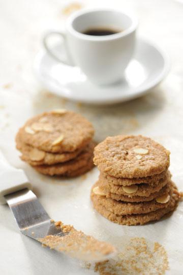 עוגיות טחינה פריכות כשרות לפסח (צילום: דודו אזולאי)