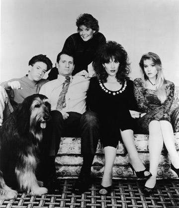 עברו עשרים שנה, תתמודדו עם האינפורמציה הזו. כריסטינה אפלגייט (ראשונה מימין) ושאר חברי משפחת באנדי (צילום: gettyimages)