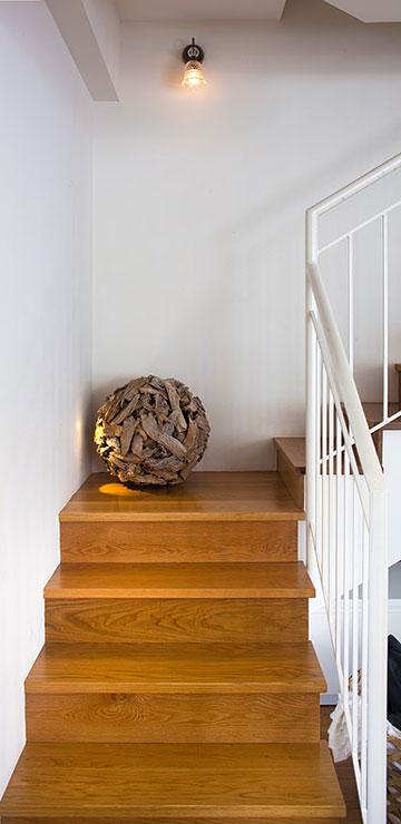 מדרגות האבן הישנות חופו בעץ (צילום: עוזי פורת)