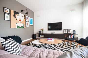 הסלון, ''אחרי'': הרבה שחור-לבן וקומפוזיציית תמונות על קיר אפור (צילום: גלעד רדט)