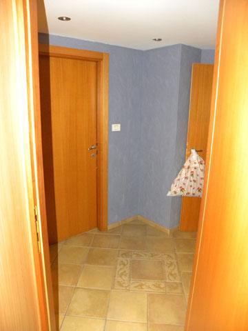 מסדרון חדרי השינה, ''לפני'': מלא זוויות