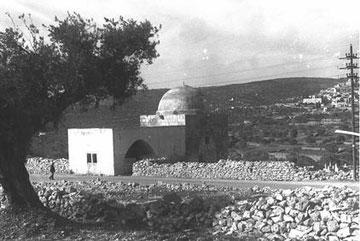 המבנה הישן של הקבר. גם הוא לא היה כאן פעם (צילום: זולטן קלוגר, לע''מ)