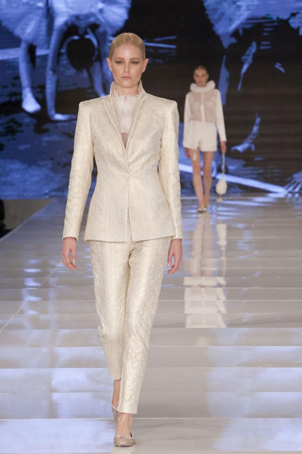 לא רק שמלות: גם מכנסיים וז'קטים (צילום: ענבל מרמרי)