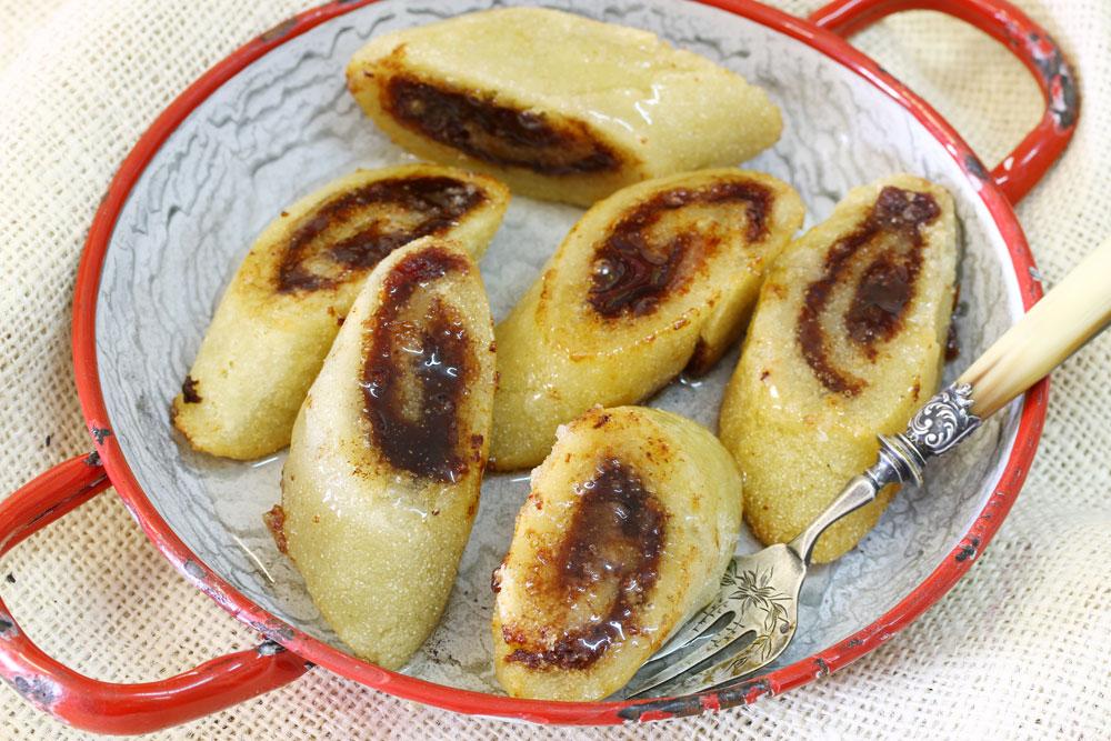 מקרוד - עוגיות סולת במילוי תמרים (צילום: אסנת לסטר)