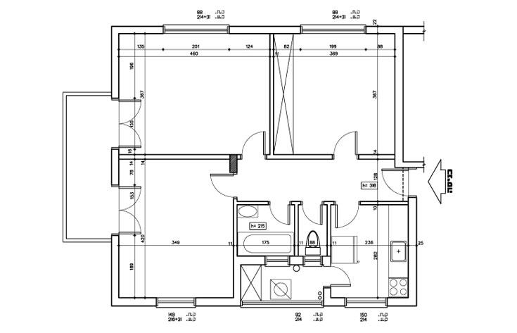 תוכנית הדירה, ''לפני'', טיפוסית לדירות תל אביביות של פעם: שלושה חדרים דומים בגודלם, מטבח קטן בנפרד, ובמרכז חדר רחצה, חדר שירותים ומרפסת שירות  (תכנית: ליאת עברון)