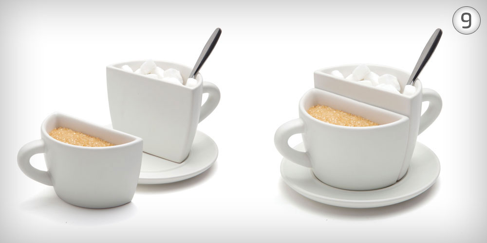 9. למארחים: Coffee Brake הוא ספל פורצלן עם שתי ידיות, שמתפרק לשני כלים נפרדים, שבהם אפשר להגיש, בסוף הארוחה, סוכר או תיונים. 80 שקל, בעיצוב סטודיו עמידב (צילום: סטודיו דן לב, ל''מונקי ביזנס'')