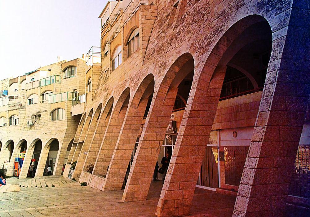 המרכז העירוני של גילה, ירושלים. ''זה לא מקרה שהוא הגיע לאן שהגיע'', אומר אילן פיבקו, ''הייתה לו עוצמה שקטה'' (צילום:מיכאל יעקובסון)