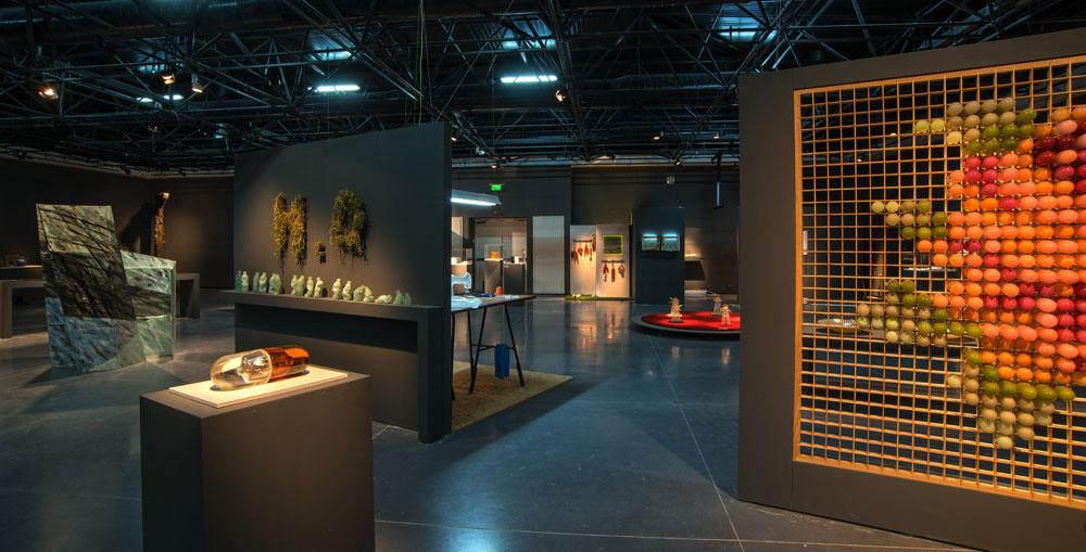 כך נראית העבודה בתערוכה ''זכוכית ישראלית 2015'', שמוצגת עכשיו במוזיאון ארץ ישראל (צילום: לאוניד פדרול קביטקובסקי)