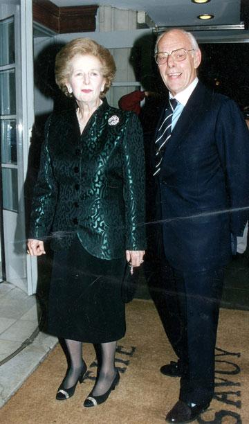 נישואי פשרה? מרגרט תאצ'ר ובעלה דניס (צילום: rex/asap creative)