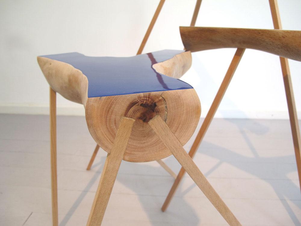 """""""BRANCHING TABLE"""", מהדורה מוגבלת של 12 שולחנות, מתוך התערוכה """"סידורי ישיבה"""", גלריה פרדיגמה, 2010 (באדיבות גלריה פרדיגמה)"""