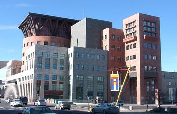 הספרייה הציבורית בדנוור, קולורדו (צילום: KM Newnham, cc)