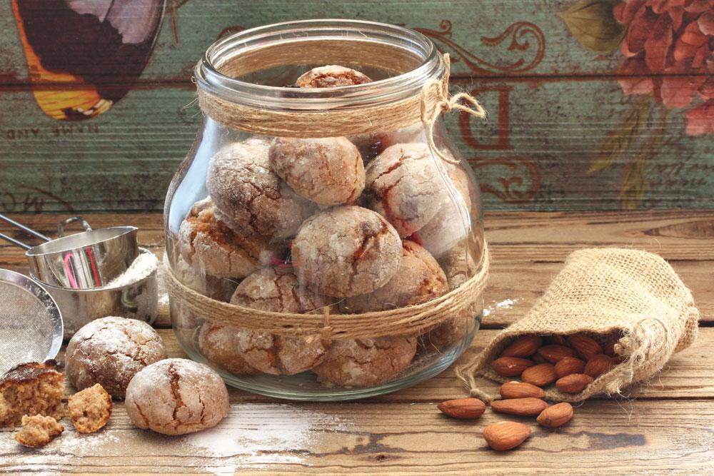 עוגיות שקדים ואגוזים (צילום: אסנת לסטר)
