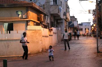 """שכונת התקווה בתל אביב. """"הייתי ערסית לייט"""" (צילום: צביקה טישלר)"""