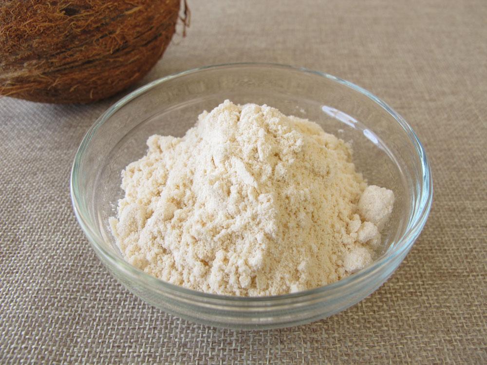 קמח קוקוס. עשיר בסיבים תזונתיים (צילום: shutterstock)