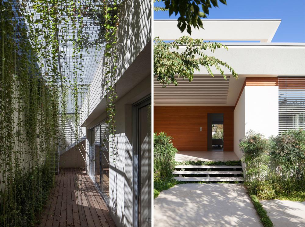 מימין: הכניסה לבית, רחבה ומקורה. משמאל: החצר האנגלית החפורה, שמאירה את קומת המרתף (צילום: עמית גרון)