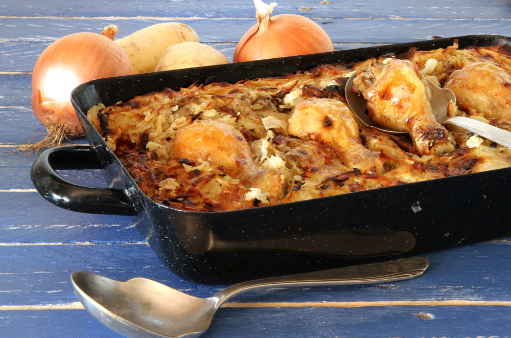מאפה שוקי עוף ותפוחי אדמה בתנור (צילום: אסנת לסטר )