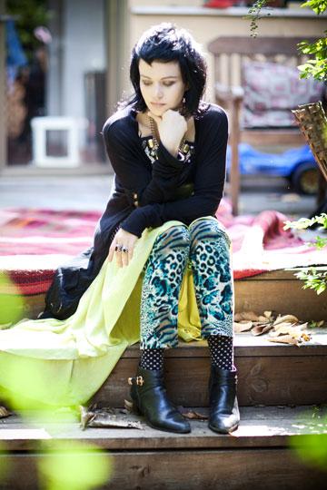 אלומה קליין. '' אני אוהבת את הצבעוניות וה'פאנקיות''' (צילום: סם יצחקוב)