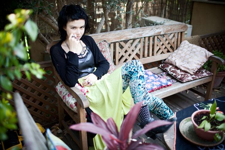 אלומה קליין לובשת פריטים של לילהמיסט בעיצוב לילך אלגרבלי (צילום: סם יצחקוב)