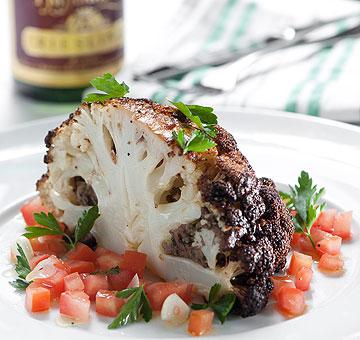 כרובית במילוי בשר עם סלסת עגבניות (צילום: דודו אזולאי)