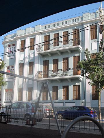 הבניין ברחוב החשמל. מחמאות לסמוק (צילום: איתי כ''ץ)