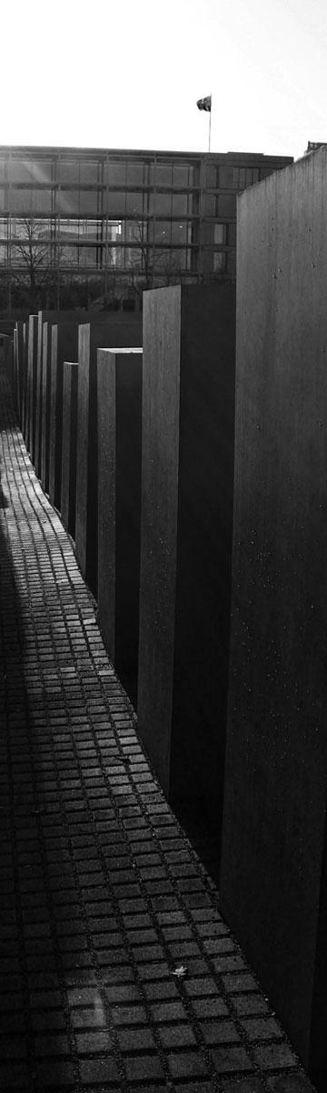 האנדרטה בברלין (צילום: מאיה ויניק)