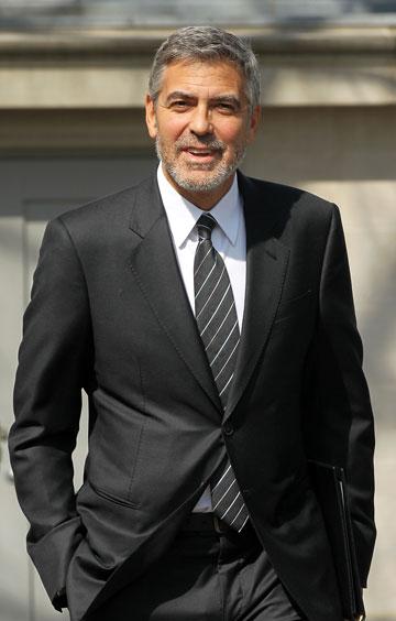 תודו שמתאים לו חליפת חתן. ג'ורג' קלוני (צילום: gettyimages)