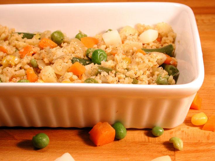 תבשיל בורגול עם ירקות (צילום: אסנת לסטר)