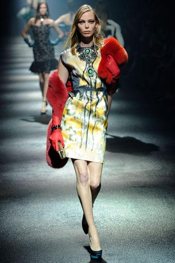קולקציית סתיו-חורף 2012-13 של לנוון. רום עבד על החיבור בין בית האופנה לבית המכירות כריסטי'ס בניו יורק (צילום: GettyImages)