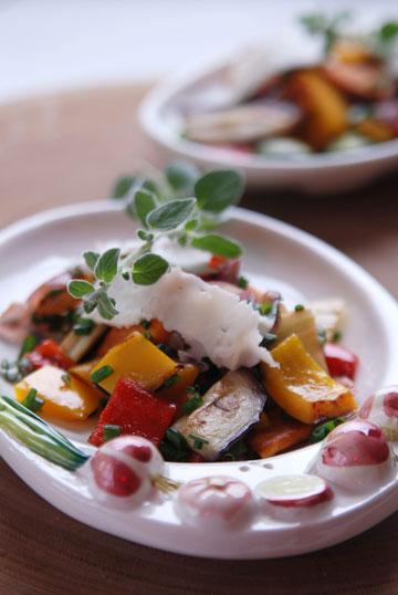 ירקות צרובים וגבינת תום (צילום: יאיר ברק, סגנון: חמוטל יעקובוביץ')