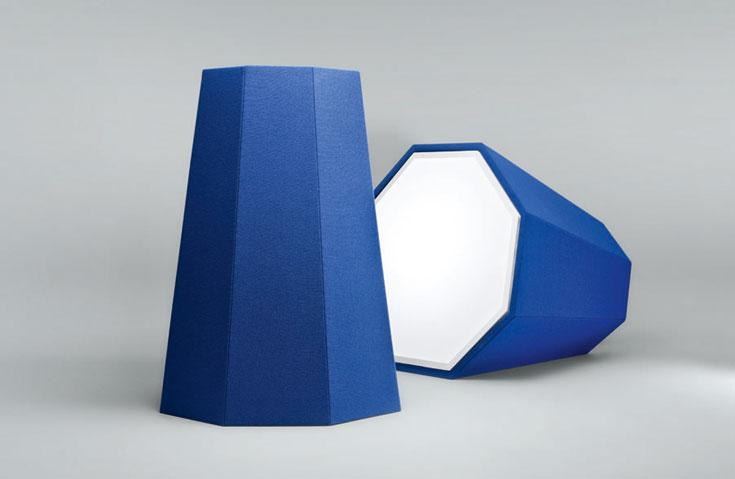 המעצב השווייצרי אדריאן רוברו הכין גרסה מחודשת למנורות FEUX CONTINUS שלו, בשימוש עם הטקסטיל הדני