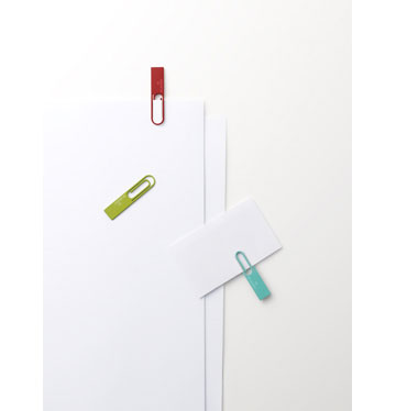 Data Clip. מכשיר USB בצורת מהדק (מתוך nendo.jp)