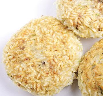 קובה אורז במילוי בשר (צילום: מיכל רביבו, סגנון: גליה אורנן)