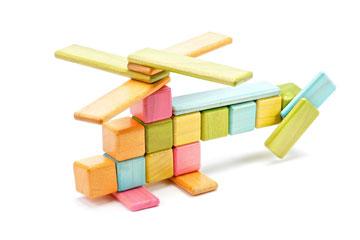 אפשר גם לבנות מסוק (צילום: Tegu)