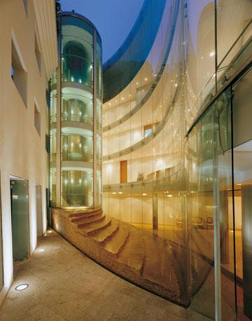 ''בית סוליד'' - בניין משרדים בלב ההיסטורי של תל אביב (באדיבות רם כרמי אדריכלים)