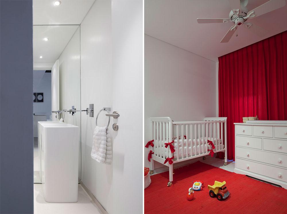 מימין: ההורים בחרו באדום על פני ורוד בחדר הילדה. משמאל: שירותי אורחים שבהם הוצב כיור ''פרי סטנדינג'' עם ברז אמבטיה דווקא, שניהם נקנו במחסן עודפים. קיר שלם חופה במראה (צילום: עמית גרון)
