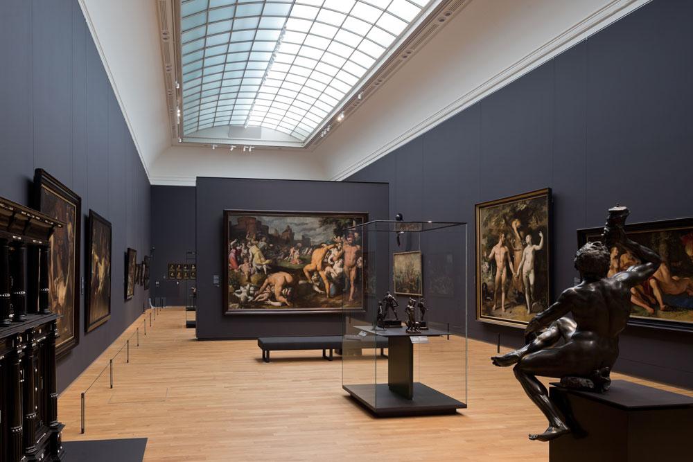 הקומה השנייה כולה היא מחווה למאה ה-17, תור הזהב של הולנד. ''נערת החלב'' של ורמייר ו''הכלה היהודייה'' של רמברנדט הן שתי דוגמאות מהאוצרות שהמוזיאון מתהדר בהם (צילום: Iwan Baan)