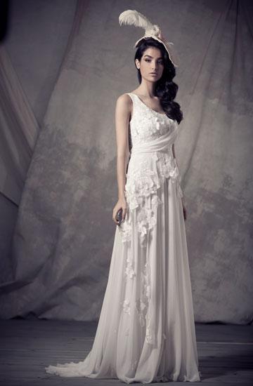 """""""הייתי חייב ליילד את עצמי מחדש"""". שמלת כלה בעיצוב יעקב דוק (צילום: שי יחזקאל)"""