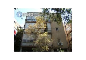 הבניין מבחוץ. תוכנן בשנות ה-50 בידי דב כרמי (צילום: ymap)