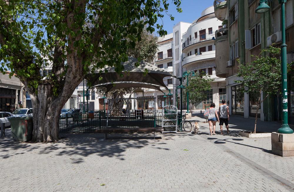 וזה לבה של שכונת נגה הסמוכה, שמשכה אליה אמנים, מעצבים ויוצרים, שביקשו לחיות וליצור סמוך למרכז תל אביב - אבל בזול יותר. עכשיו גם המחירים כאן עולים (צילום: אביעד בר נס)