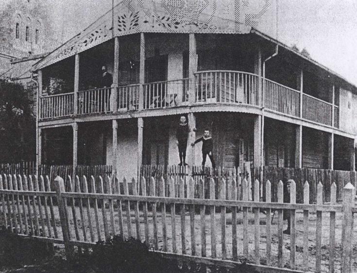 המושבה האמריקאית, צילום היסטורי. אחרי שנה אחת בלבד, ב-1887, מכרו הנוצרים האמריקאים את הבתים לטמפלרים, שחיו בהם עד למלחמת העולם ה-II
