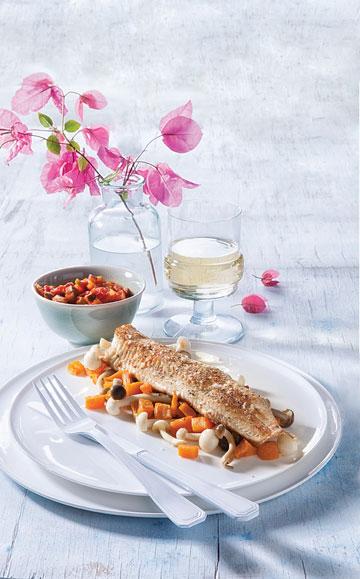 פילה פורל צרוב על מצע בטטות ופטריות שי מג'י (צילום: דני לרנר סגנון: פסי ברניצקי)