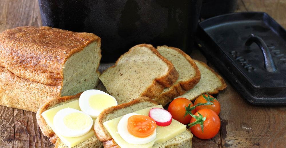 אפשר להכין גם על הכיריים. קייזלה - לחם כשר לפסח (צילום: אסנת לסטר)