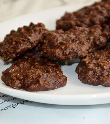 עוגיות שוקולד ואגוזים ללא קמח (צילום: אפרת סיאצ'י)